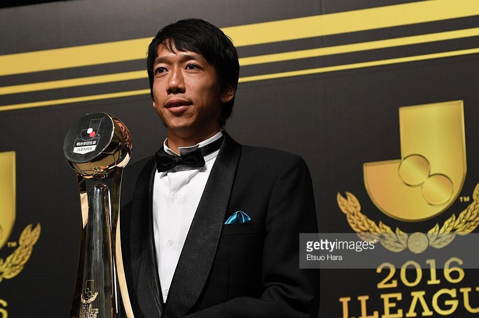 中村憲剛JリーグMVPに次いで2016年度年間最優秀選手「フットボーラー・オブ・ザ・イヤー」に選ばれる